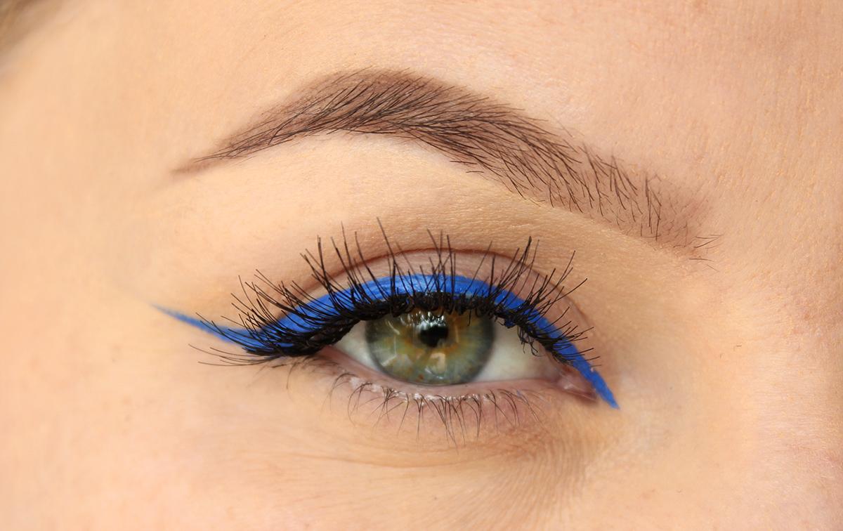 Blå eyeliner